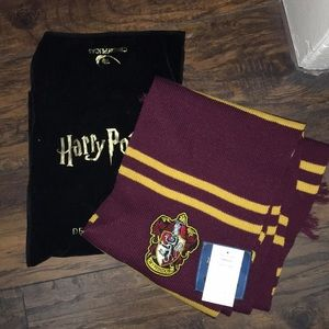 Deluxe Edition Gryffindor Scarf - NWT